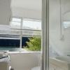 studio-bathroom