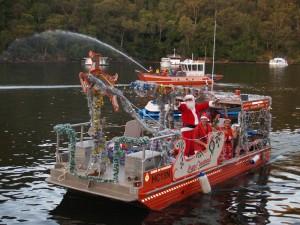 Santa-boat-b-2010